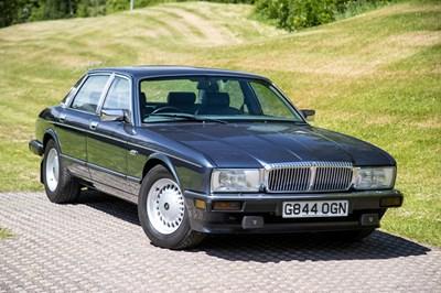 Lot 27 - 1990 Daimler 4.0 Litre
