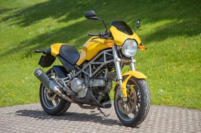 Lot 2005 Ducati Monster 800
