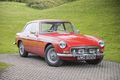 Lot 19 - 1968 MG B GT