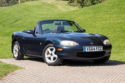 Lot 21 - 1999 Mazda MX-5