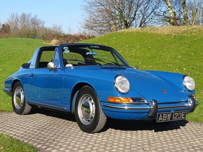 Lot 1967 Porsche 911 Targa soft window